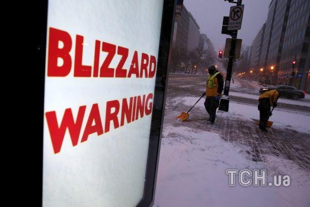 """""""Монстро-шторм"""" у США: 10 загиблих, сотні ДТП та кілометрові затори"""