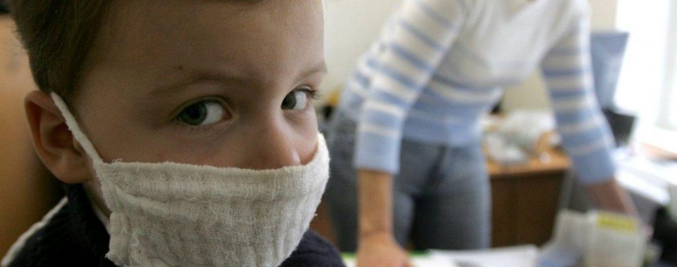 Под Киевом из-за вспышки кори частично прекратили обучение в школе