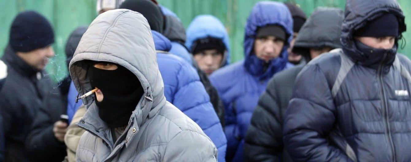 Окупаційна влада Криму похизувалася затриманням кримінальних авторитетів 90-их