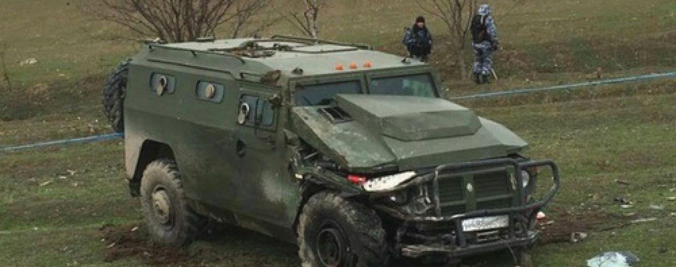 У Дагестані зіткнулися броньовик і автобус: є загиблі та поранені