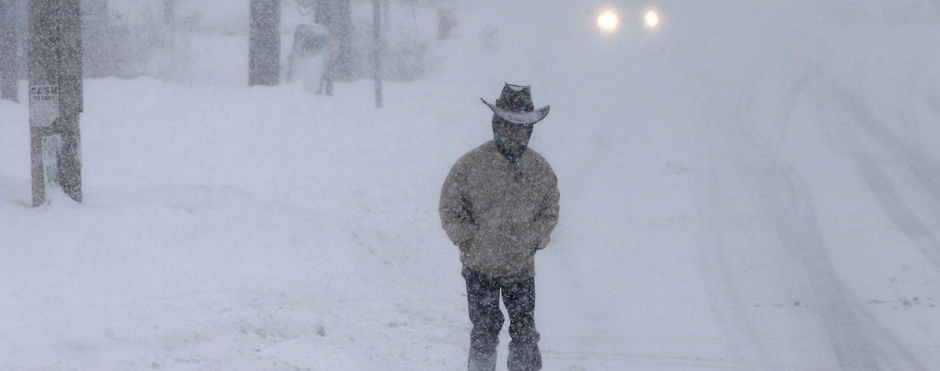 Число жертв снігової бурі у США зросло до 18 осіб