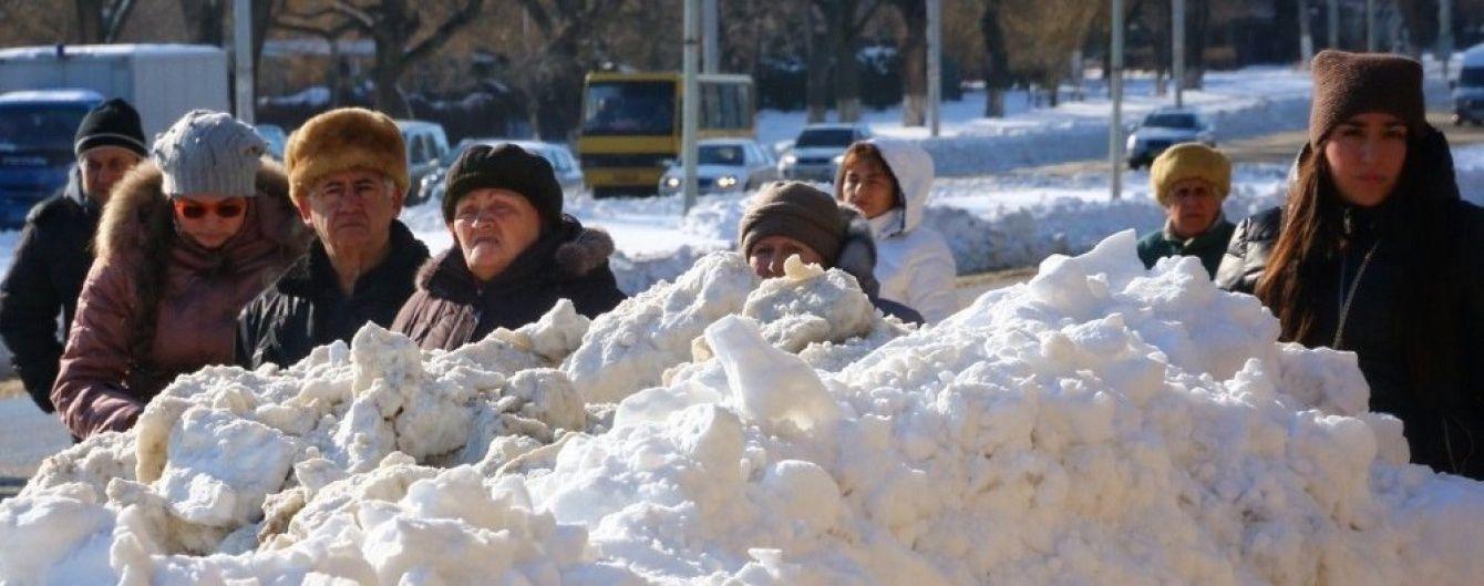 Хурделиці та 2-метрові перемети. Як Україна пережила сильні снігопади