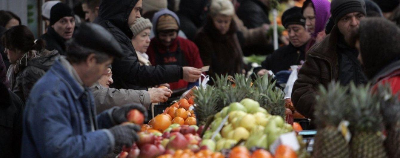 Почти 40% заработанных денег украинцы тратят на продукты