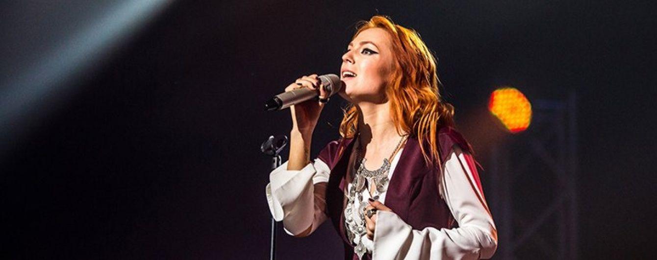 """Заплакана Тарабарова зворушила антивоєнною піснею, яку готує на """"Євробачення 2016"""""""