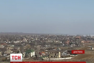 """Відеокамера ОБСЄ у Широкиному стежить за українцями, але """"вимикається"""" у разі обстрілів – морпіхи"""