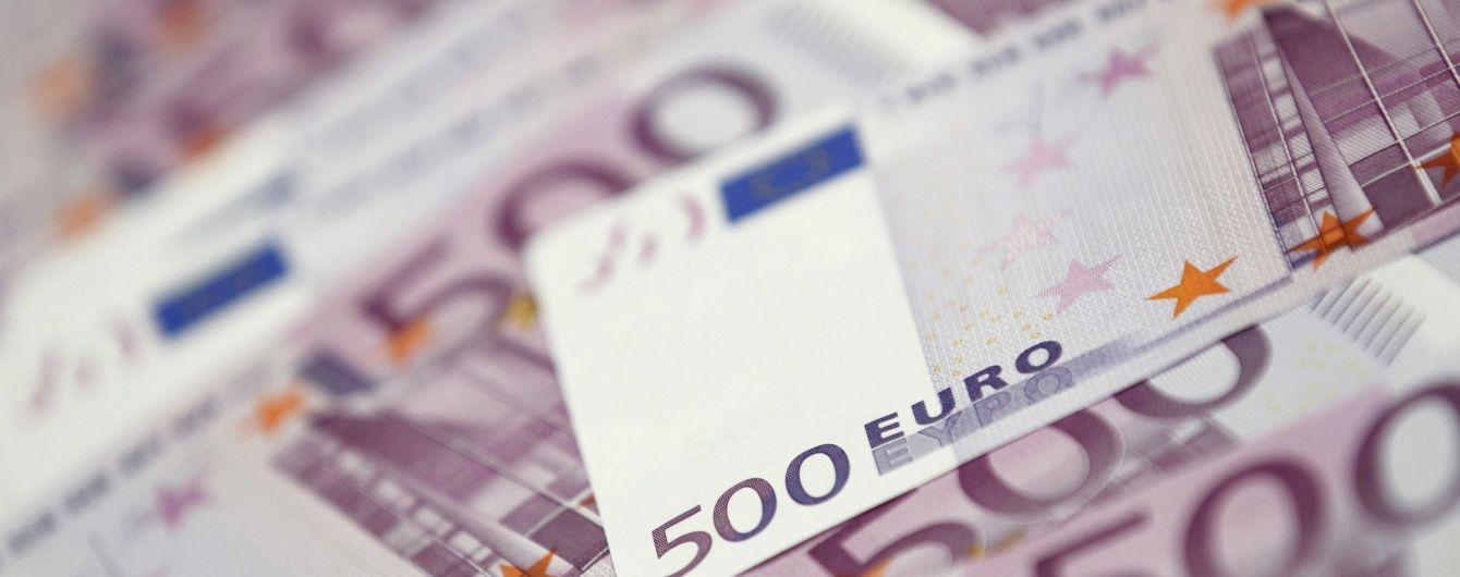 У курсах Нацбанку на 29 червня суттєво здешевшав євро. Інфографіка
