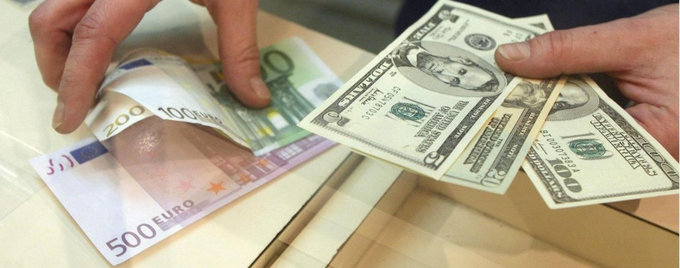 Доллар подорожал, а евро подешевел в курсах Нацбанка на 6 июня. Инфографика