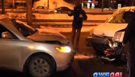 В Киеве не разминулись Toyota и Ford