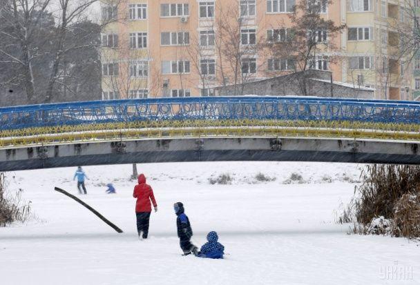 Рясні снігопади та лютий мороз. Як Україна пережила зимову стихію