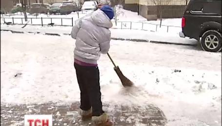 За неприбирання снігу столичним підприємцям загрожує штраф
