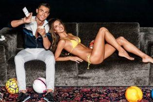 Криштиану Роналду научил Алессандру Амбросио набивать мяч головой