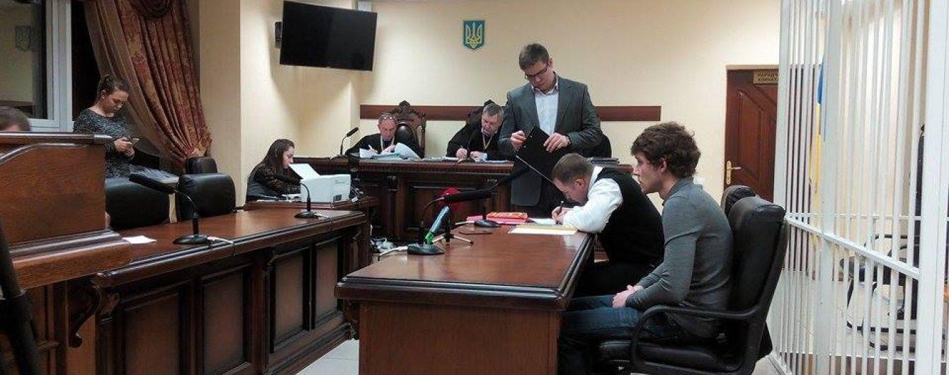 Апеляційний суд відмовився посилити запобіжний захід мажору Толстошеєву