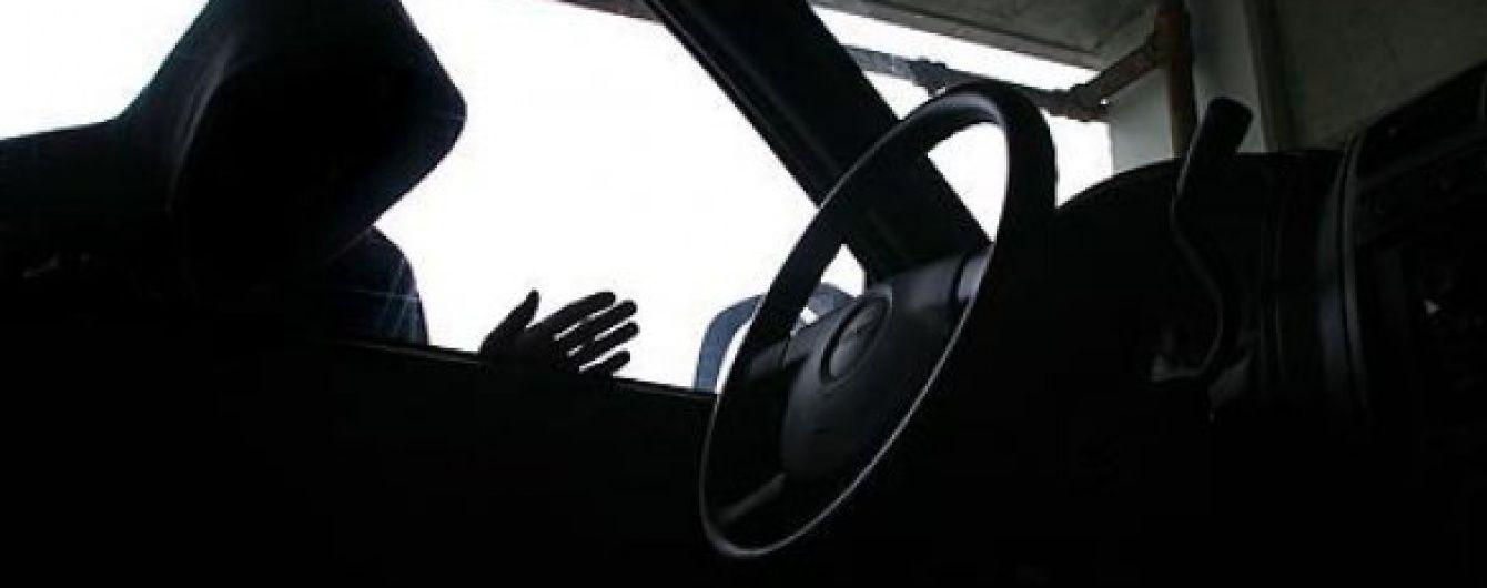У Дніпропетровську підлітки викрали десятки автівок на замовлення