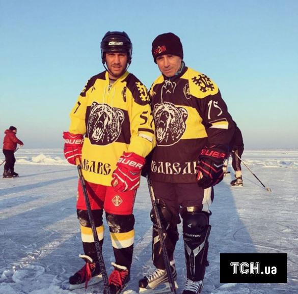 Ломаченко хокей_2