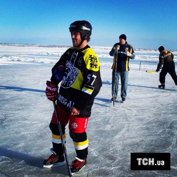 Ломаченко хокей_3