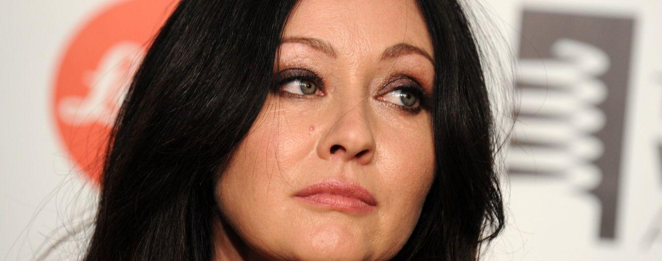 Лікар Анджеліни Джолі видалив груди Шеннен Догерті