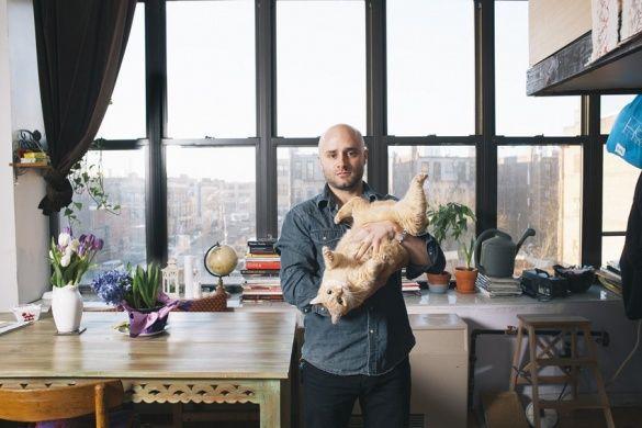 Чоловіки з котами