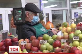 Київські посадовці пояснили, навіщо потрібно носити маски, котрі не рятують від грипу