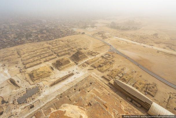 Екстремал показав неймовірні фото краєвидів з вершини Великої піраміди в Гізі