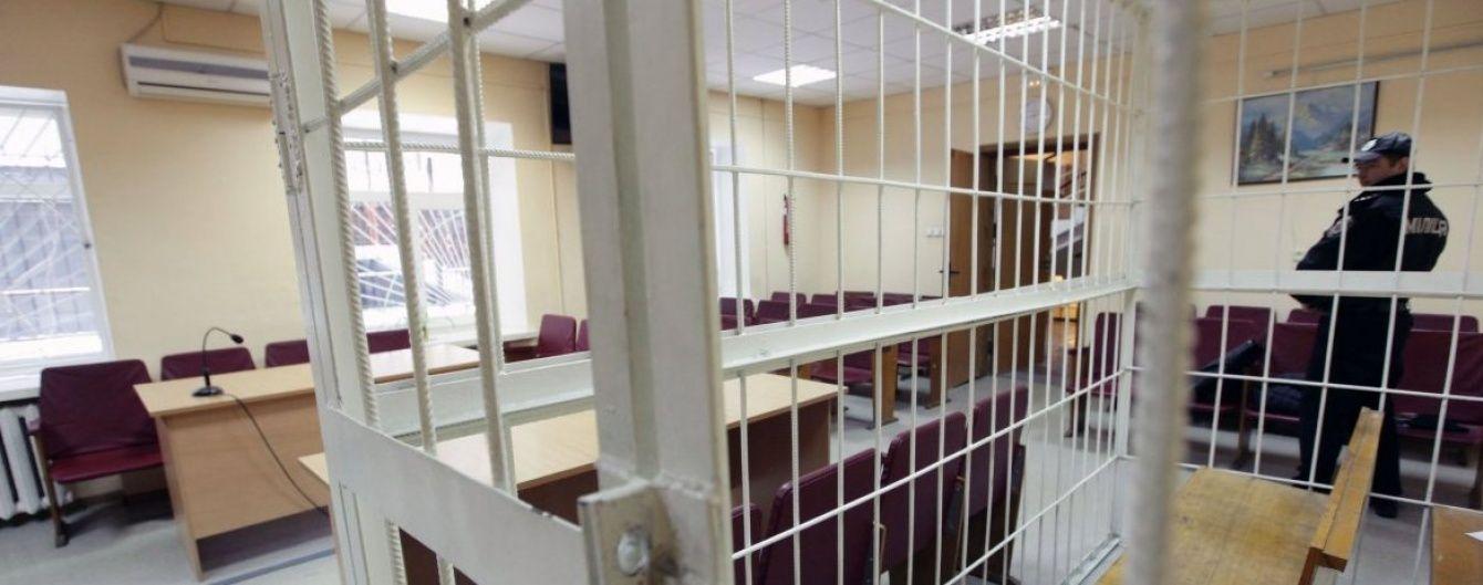 Українці тотально не довіряють прокуратурі, а суддів вважають залежними від олігархів