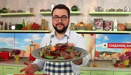 Рецепт теплого  салату із курячою печінкою від Руслана Сенічкіна