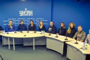 Українські артисти вимагають у Порошенка заборонити російський медійний товар