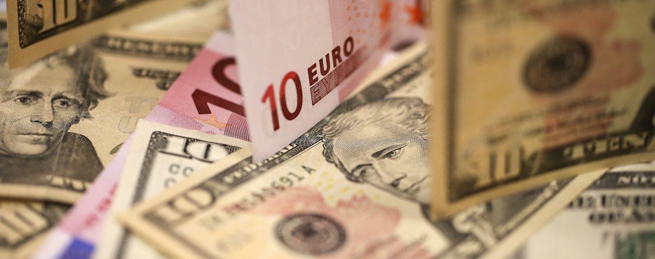 Долар та євро впали у ціні. Курси валют на 16 грудня