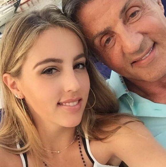 Сильвестр Сталоне с дочками_2