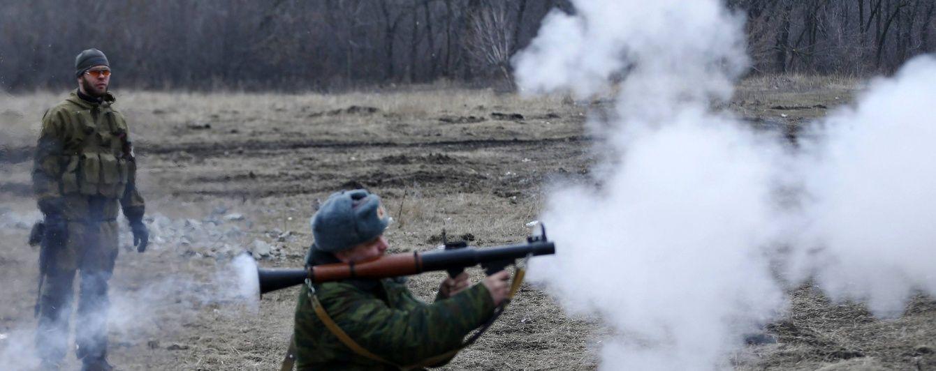 """Ніч у зоні АТО: бойовики гатили із """"зенітки"""" та гранатометів"""