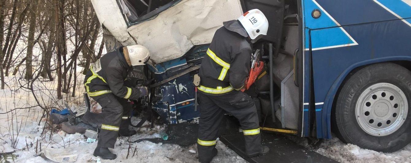 У Росії в ДТП постраждали 22 пасажири автобуса: направляють уже п'ятий гелікоптер з медиками
