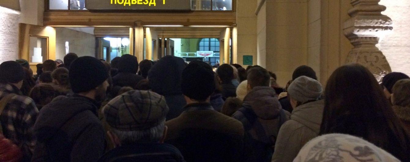 У Москві евакуюють два вокзали через загрозу вибуху – ЗМІ