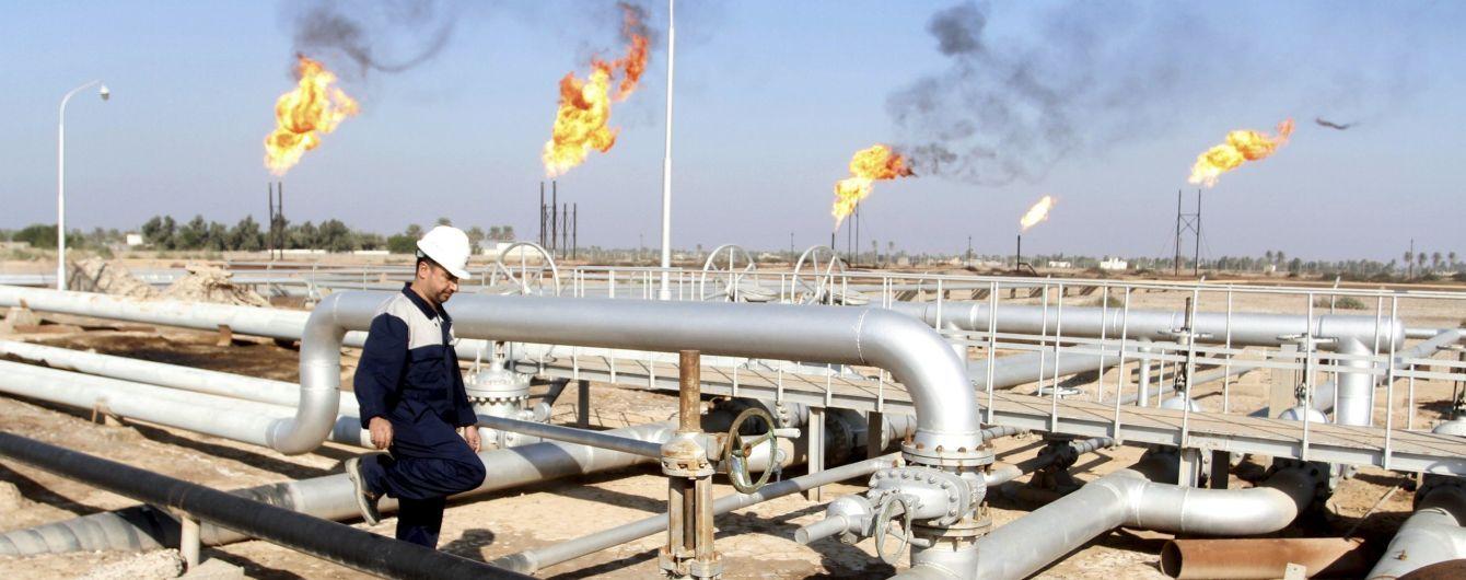 Новий тиждень нафта і російський рубль розпочали синхронним падінням