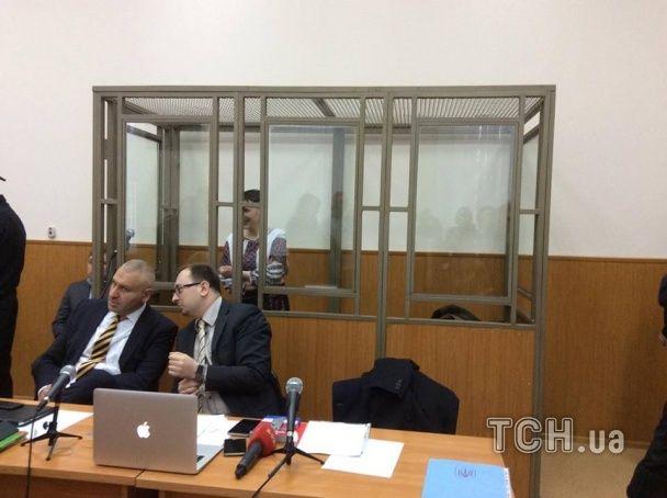 Савченко проголошує останнє слово в суді у автентичному національному костюмі