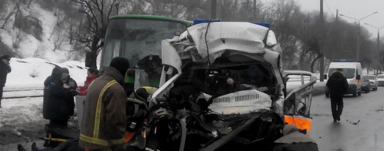 У Харкові змінилася кількість жертв моторошної ДТП автобуса і швидкої