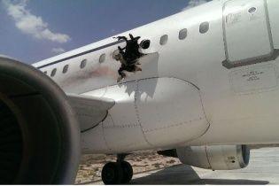 У Мережі з'явилося відео вибуху в літаку A321 у Сомалі