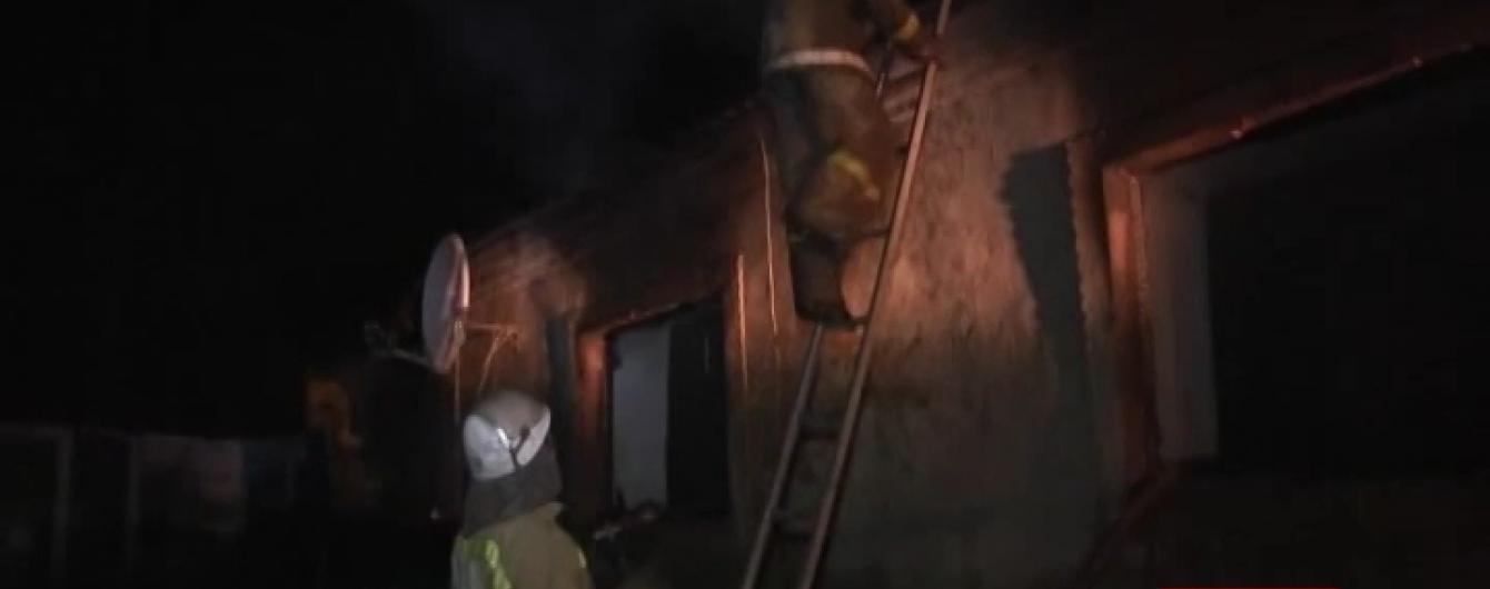 На Одещині в хаті згоріла жінка з двома маленькими дітьми