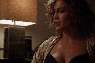"""46-річна Лопес вразила розкішними грудьми та """"в'ялим"""" животом у """"Відтінках синього"""""""