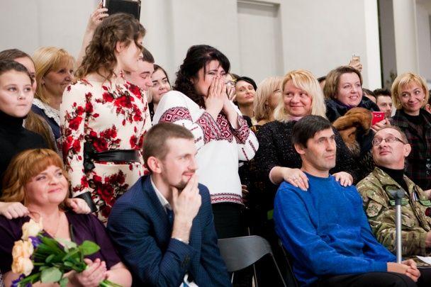 """Освідчення, подарунки та здійснення мрій: відбулася презентація соціального проекту """"Переможці"""""""