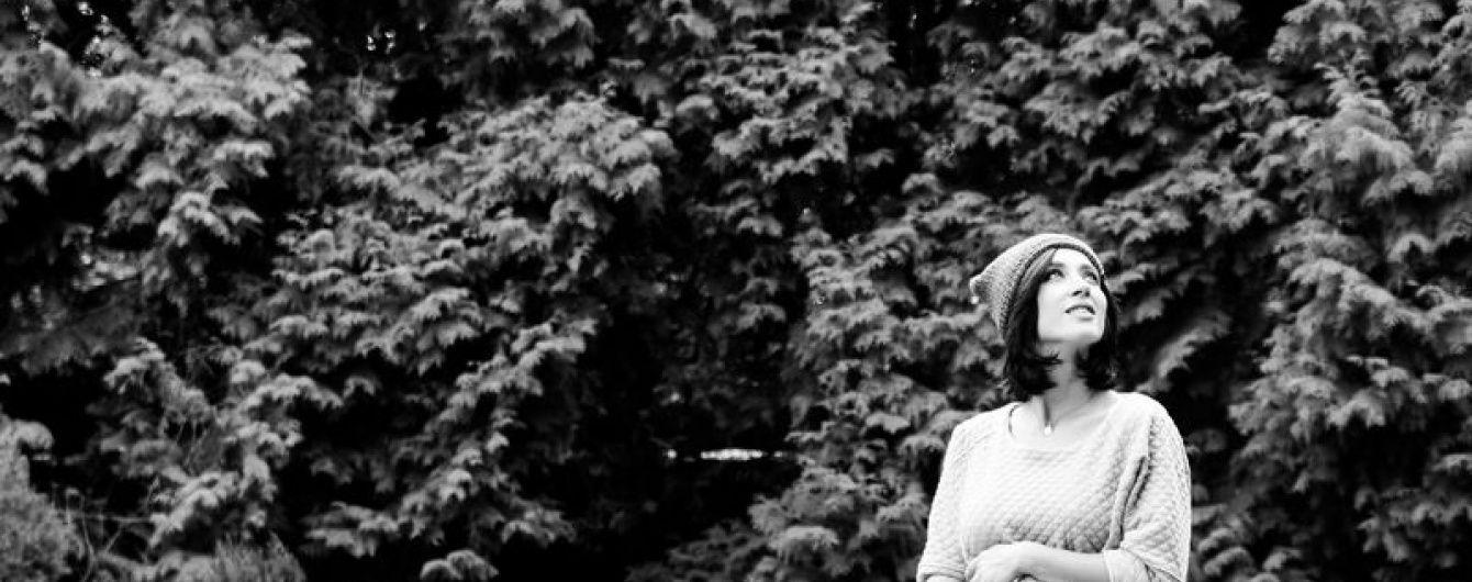 """""""Вагітний"""" архів: Завальська постала у зворушливій фотосесії із животиком"""
