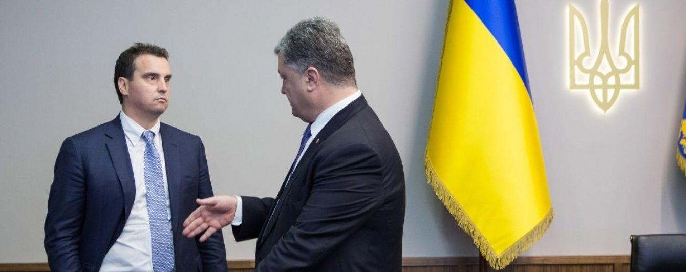 Порошенко та Ложкін декілька годин вмовляли Абромавичуса не йти у відставку - ЗМІ