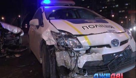 Столичная полиция снова крушит свои автомобили