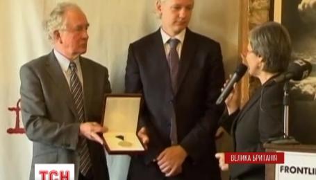 Комісія ООН оголосила, що свободу Джуліана Ассанжа обмежують незаконно