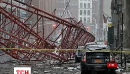 В центре Нью-Йорка упал строительный кран
