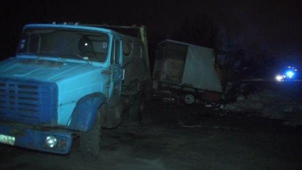 У Харкові вантажівка спалахнула після зіткнення зі сміттєвозом, є загиблі