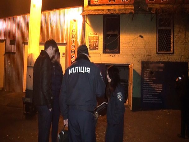 У Києві посеред ночі з гранатомета розстріляли СТО