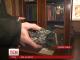 Яма на дорозі спричинила у Дніпропетровську обстріл шматками асфальту