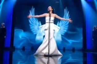"""Настя Приходько у розкішній сукні відкрила нацвідбір на """"Євробачення 2016"""""""