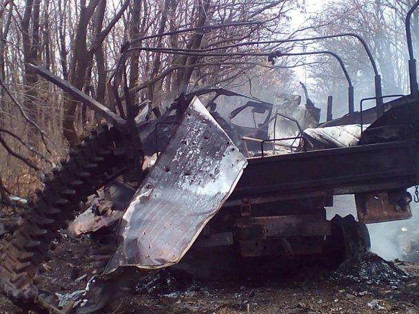 """На Донбасі на міні підірвався """"Урал"""" із військовими АТО: є постраждалі"""
