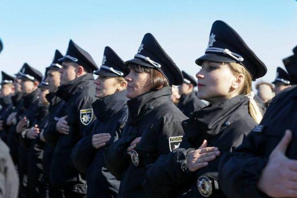 Нова поліція патрулюватиме вулиці відтепер і в Херсоні