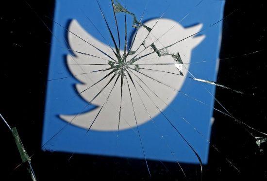 """В Украине """"упала"""" соцсеть Twitter"""